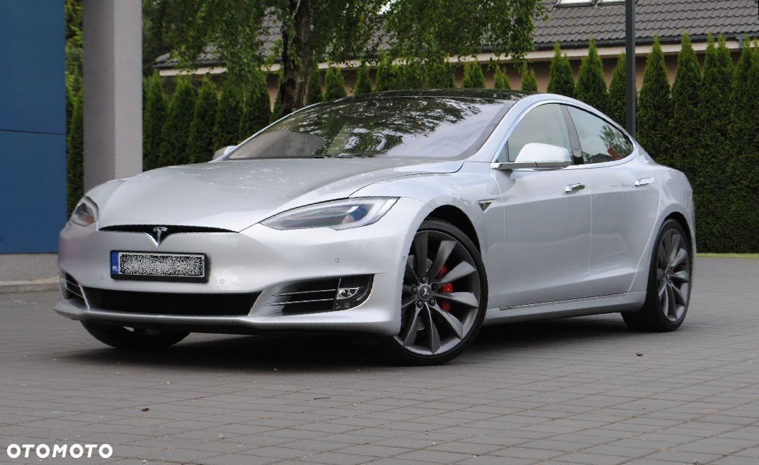 Tesla Model S Model S P90DL Ludicrous mode 2,5 sek do 100km/h, max 250km/h Vat22% - 3