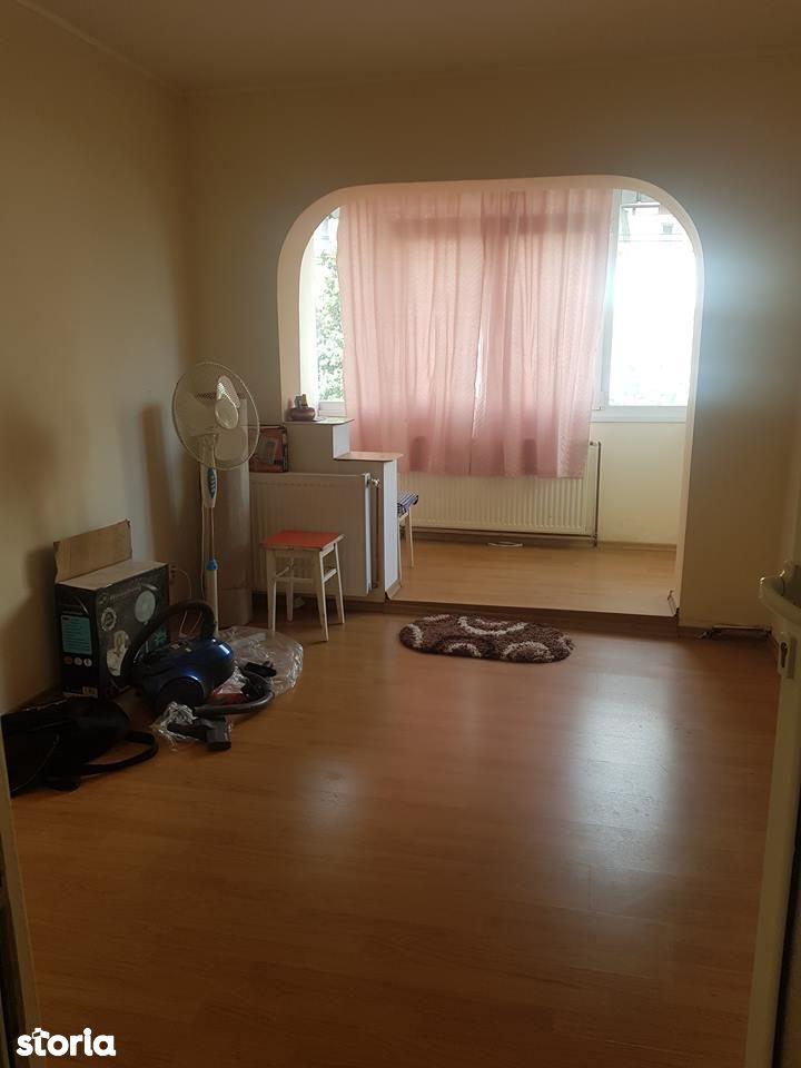 Apartament de vanzare, Bacău (judet), Oneşti - Foto 1
