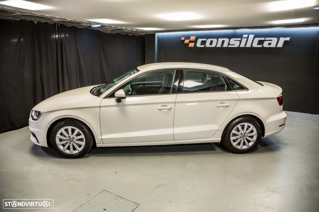 Audi A3 Limousine 1.6TDI M6 Attraction Pack - 10