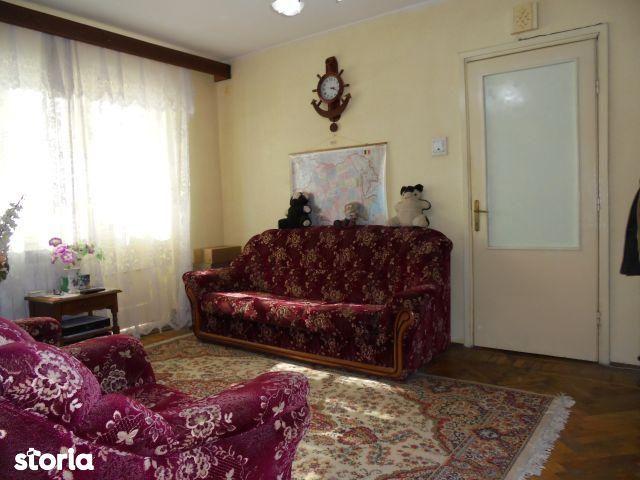 Apartament de vanzare, Dâmbovița (judet), Bulevardul Independenței - Foto 1