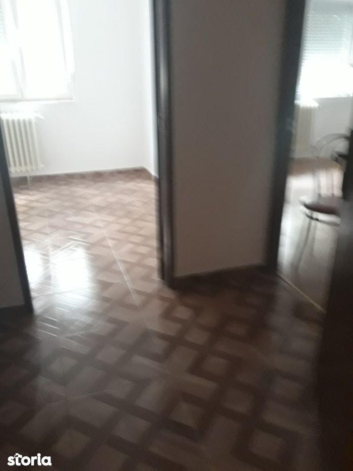 Apartament de vanzare, Timiș (judet), Strada Cerna - Foto 2