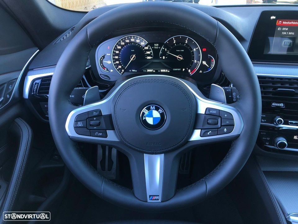 BMW 520 d Touring Pack M - 28