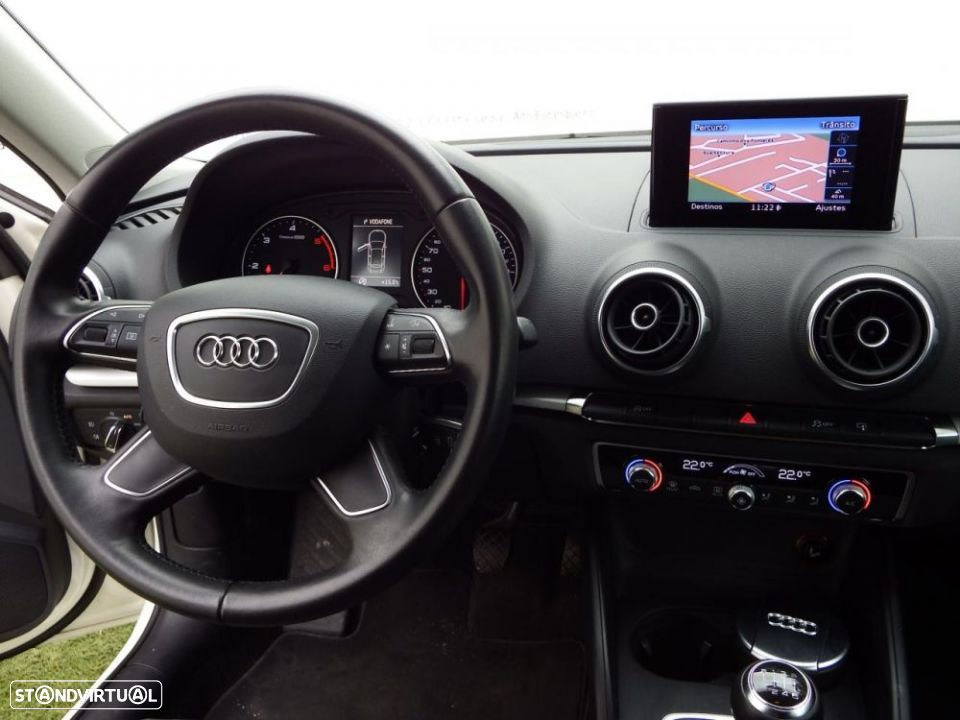 Audi A3 1.6 TDi Attraction - 23