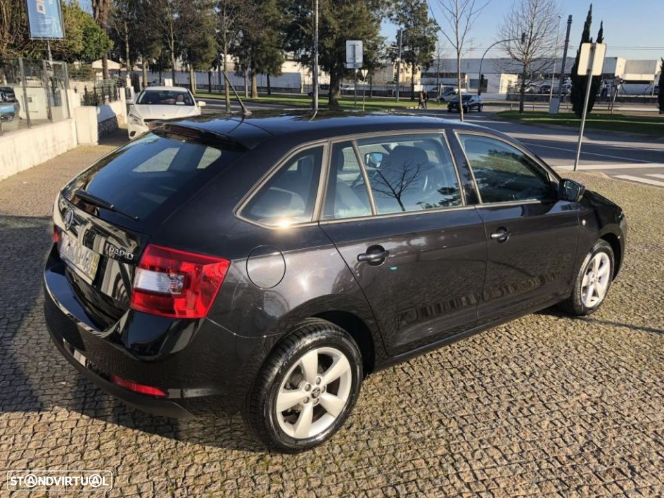 Skoda Rapid Spaceback 1.6 TDi Ambition - 10