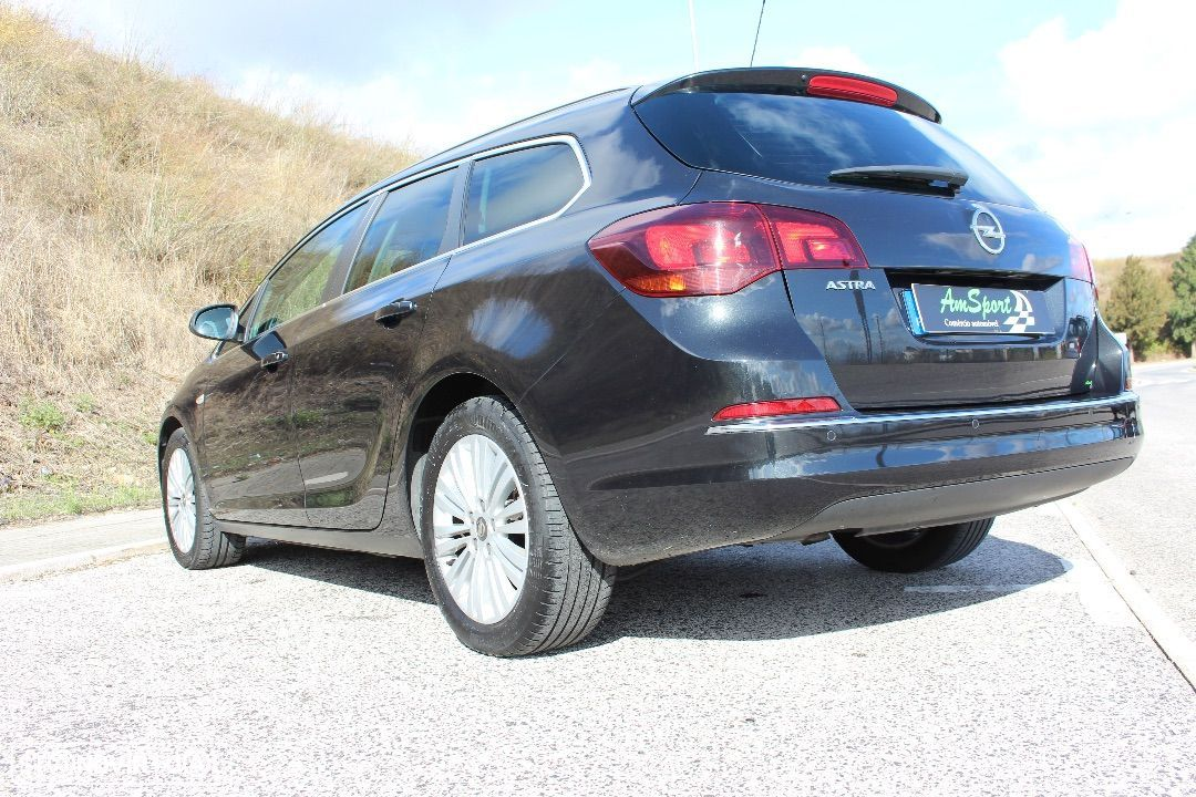 Opel Astra Sports Tourer 1.7 cdi Cosmo S  S - 29