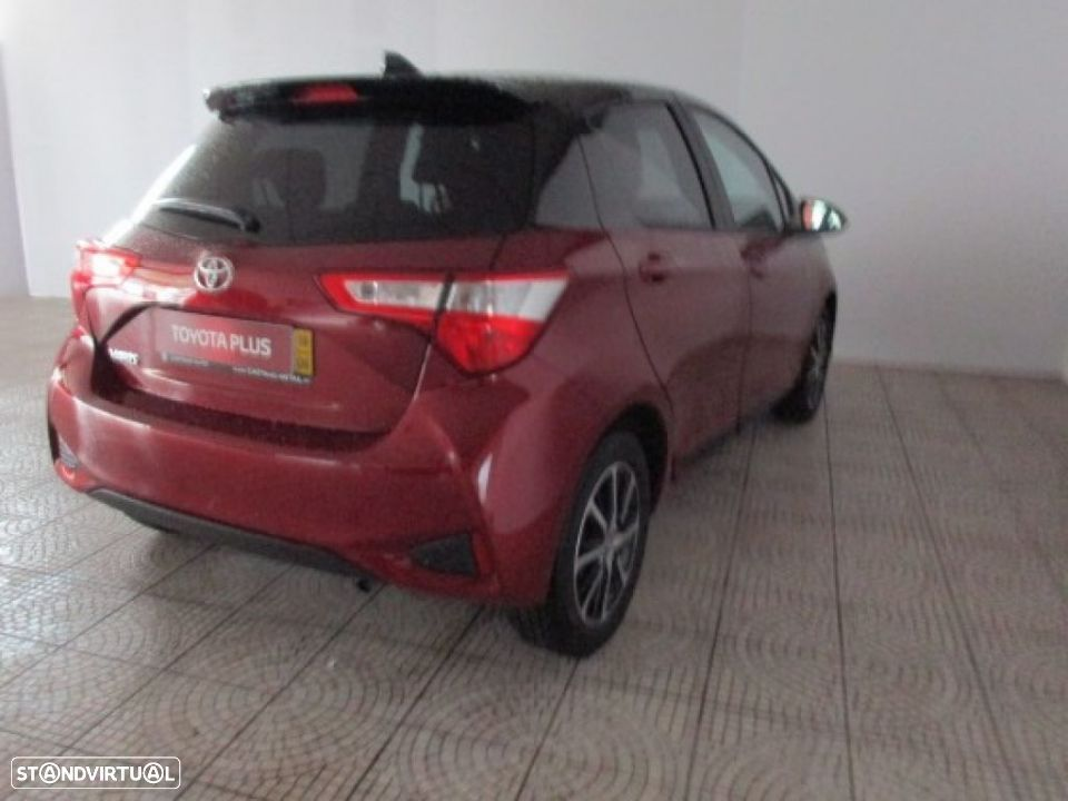 Toyota Yaris 1.0 5P SQUARE Collection - 4