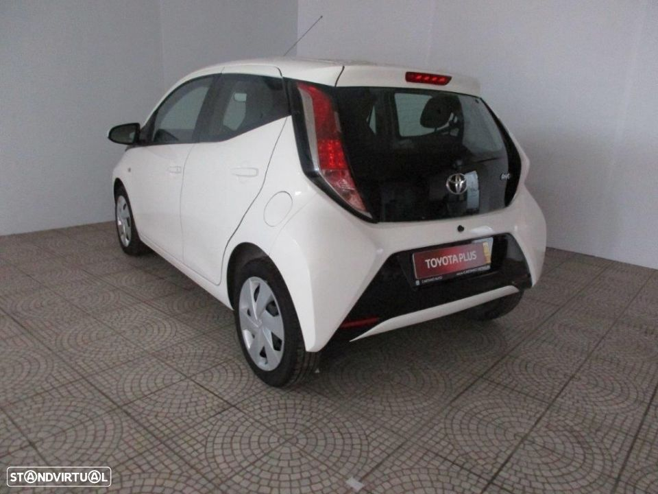 Toyota Aygo 5P 1.0 x-play + AC + x-touch - 2