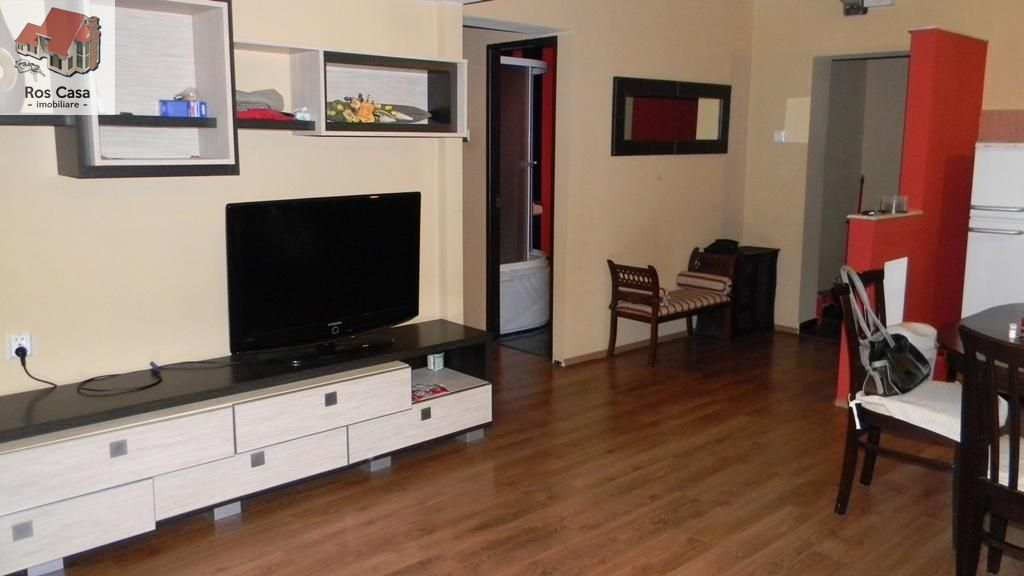Apartament de inchiriat, Bihor (judet), Decebal-Dacia - Foto 1