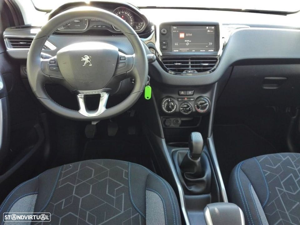 Peugeot 2008 Style 1.2 PureTech c/ Pack Visibilidade - 3