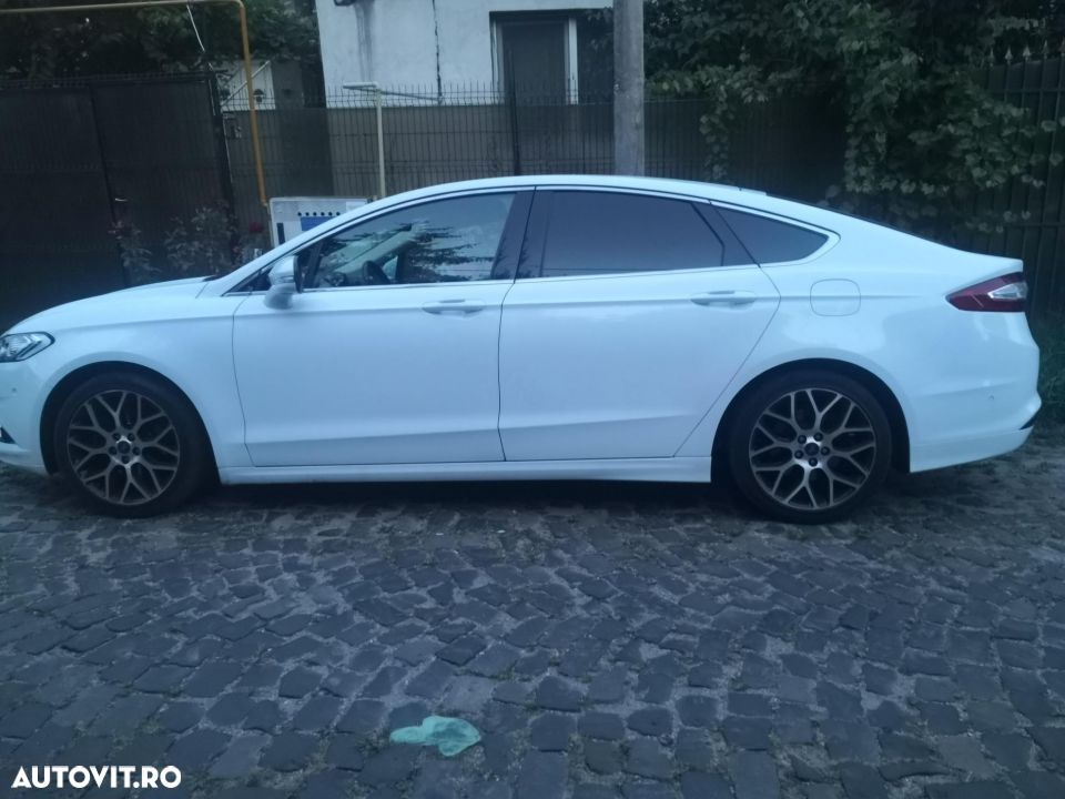 Ford Mondeo Mk5 - 32
