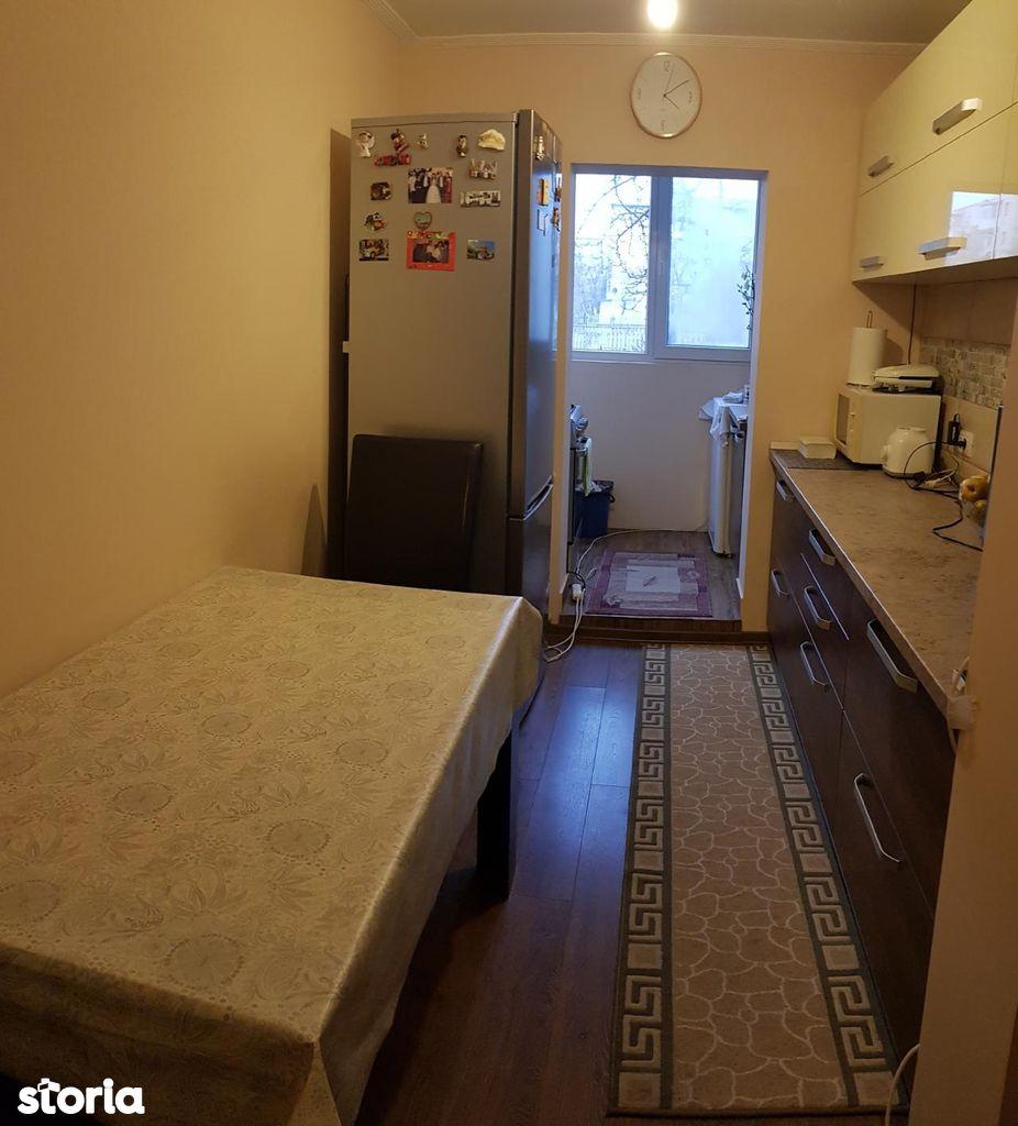 Apartament de vanzare, Iași (judet), Dacia - Foto 1