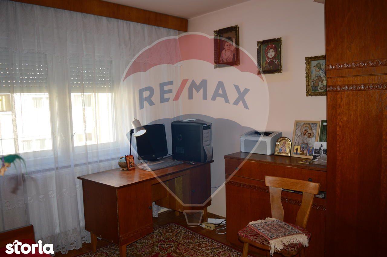 Apartament de vanzare, Bihor (judet), Strada Grigorie Irofte - Foto 10