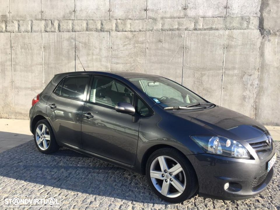Toyota Auris 1.4 D-4D Exclusive+P.Sport - 1
