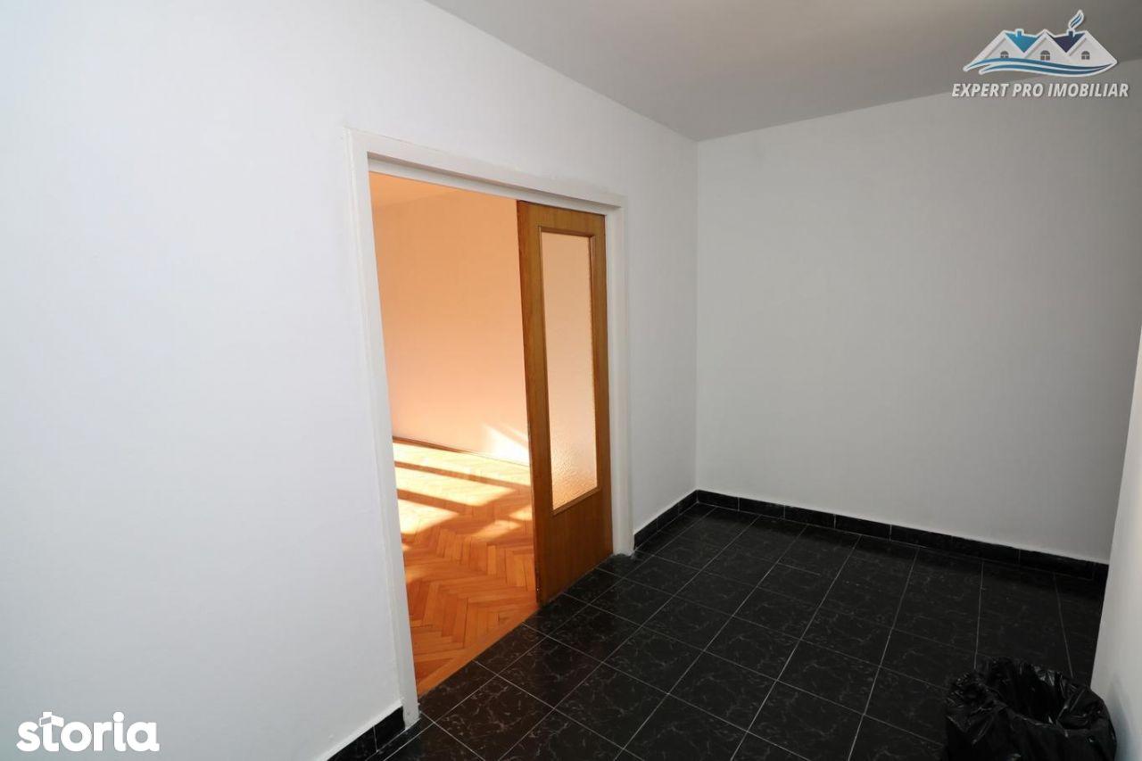 Apartament de inchiriat, București (judet), Piața Alba Iulia - Foto 10