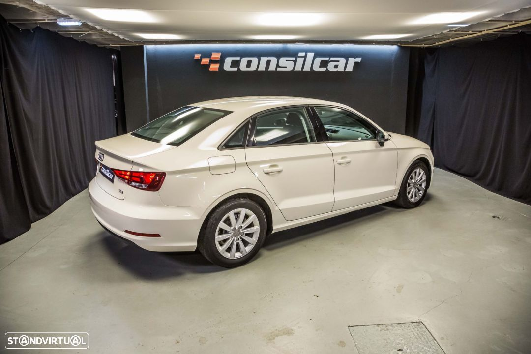 Audi A3 Limousine 1.6TDI M6 Attraction Pack - 8