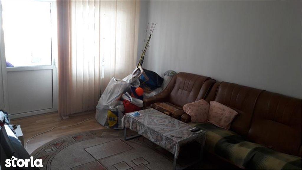Apartament de vanzare, Argeș (judet), Bulevardul Petrochimiștilor - Foto 3