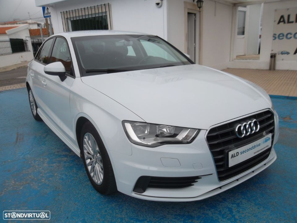 Audi A3 Limousine 1.6 TDi Attraction Ultra - 1