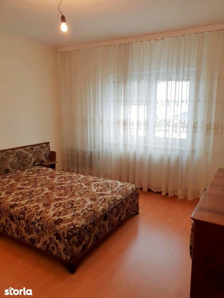 Apartament de vanzare, Argeș (judet), Traian - Foto 4