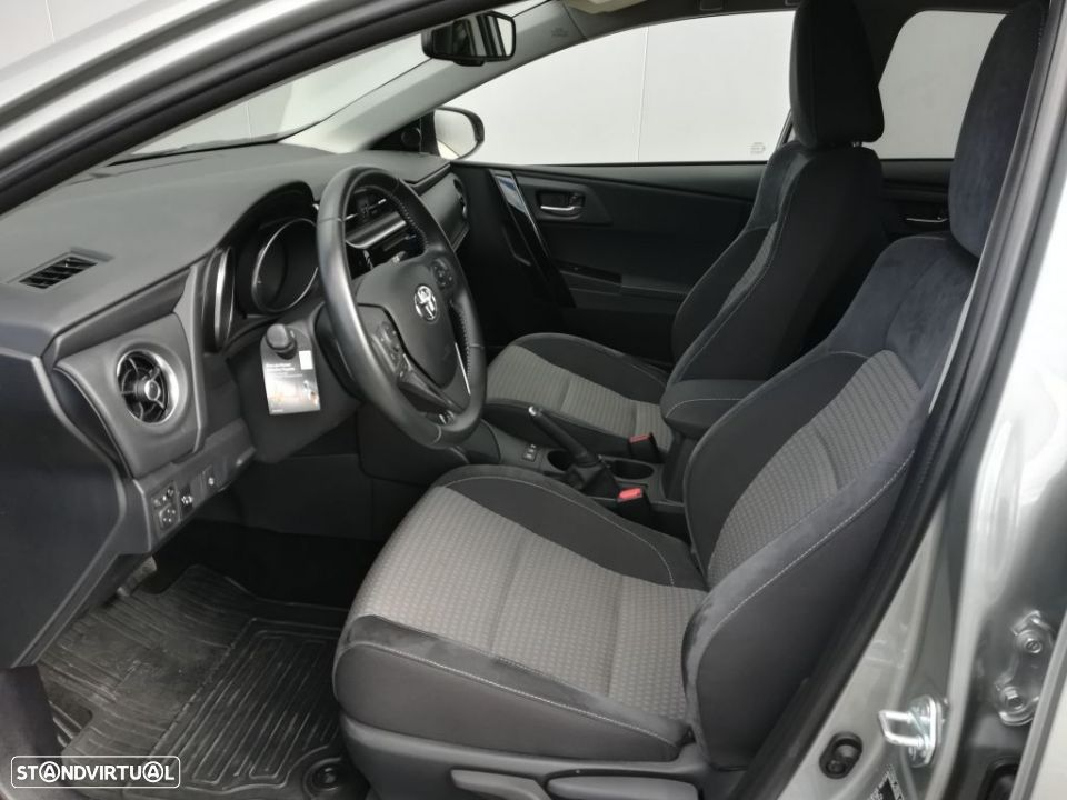 Toyota Auris HB 1.8 Hybrid SQUARE Collection - 11