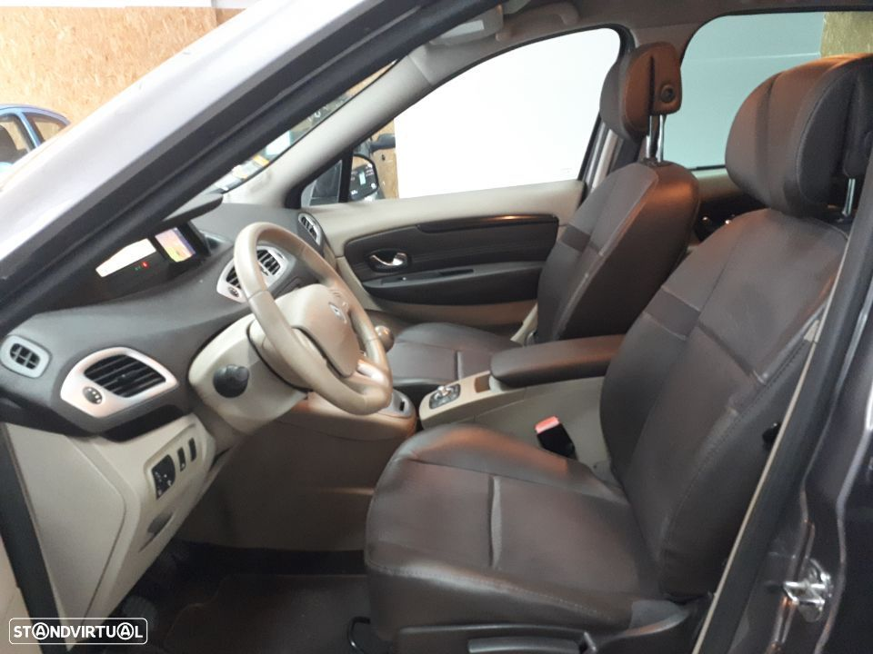 Renault Scénic 1.5 dCi Luxe - 23