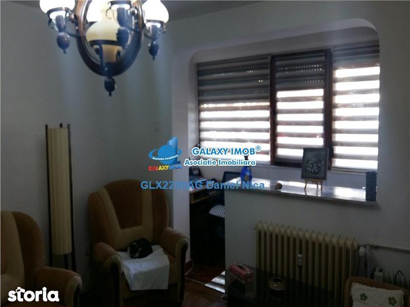 Apartament de vanzare, Argeș (judet), Craiovei - Foto 1