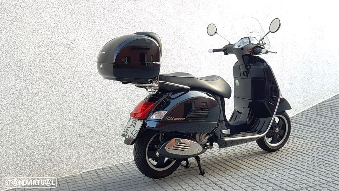 Vespa GTS Super 300 ie - 24