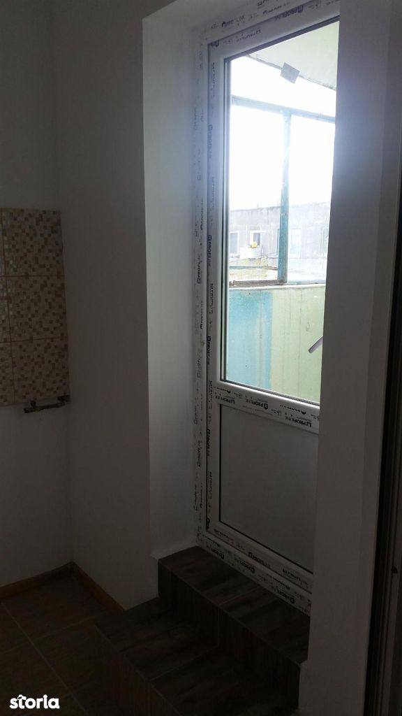 Apartament de vanzare, Galați (judet), Micro 40 - Foto 6