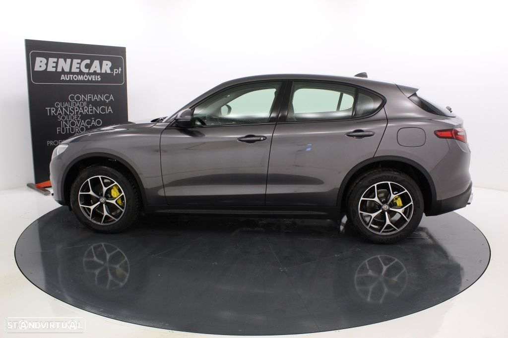 Alfa Romeo Stelvio 2.2 Turbo Q4 Super AT8 210cv Cx. Aut. GPS / Cam. Traseira - 3