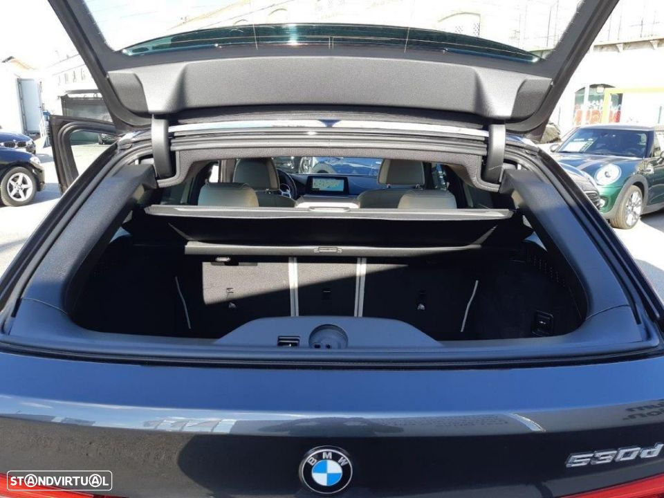 BMW 530 d Touring Auto Pack M - 17