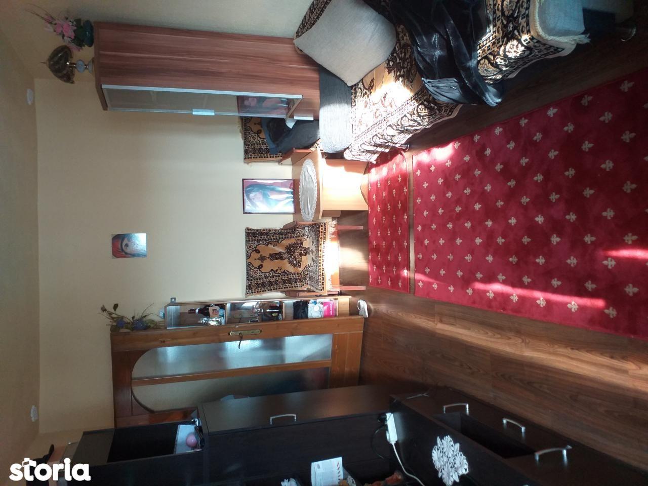 Apartament de vanzare, Arad (judet), Confecții - Foto 6