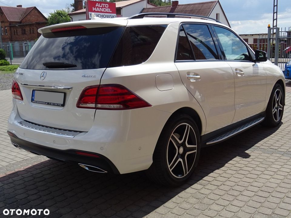 Mercedes-Benz GLE 350d 4Matic AMG LED/ILS Kamera360 Airmatic Hak - 4