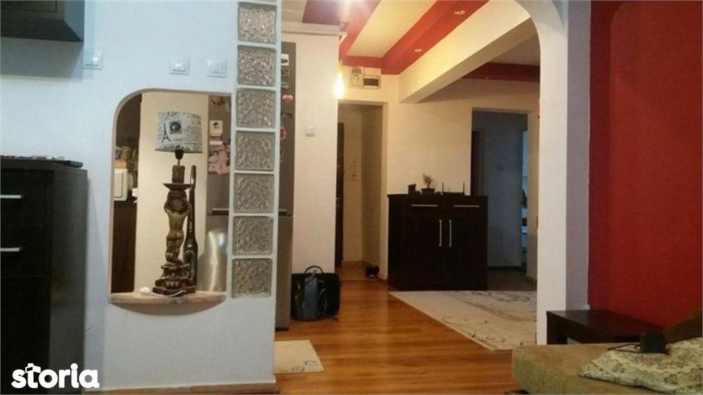 Apartament de vanzare, Argeș (judet), Bulevardul Petrochimiștilor - Foto 9