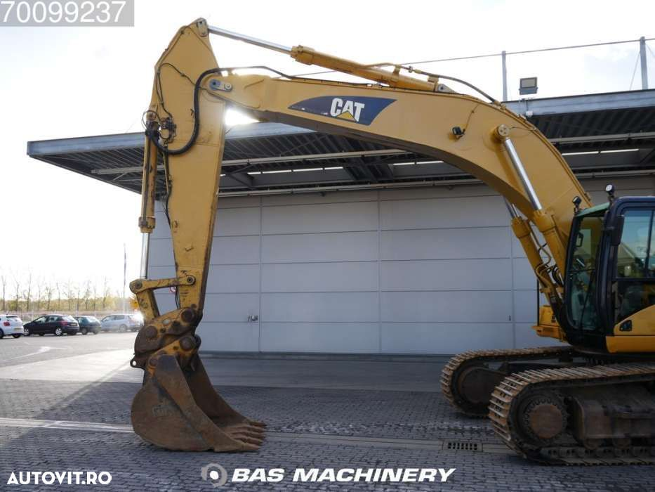 Cat 330CL Nice and clean machine - 16