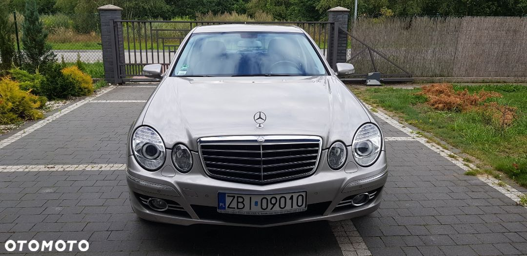 Mercedes-Benz Klasa E Mercedes E 320 CDI Avantgarde V6 224 PS - 1