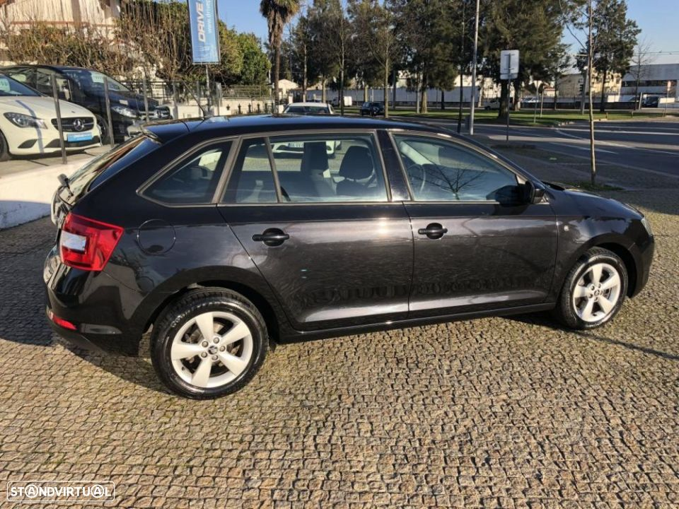 Skoda Rapid Spaceback 1.6 TDi Ambition - 9