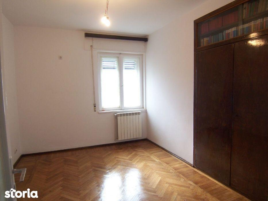 Apartament de vanzare, București (judet), Strada Între Gârle - Foto 1
