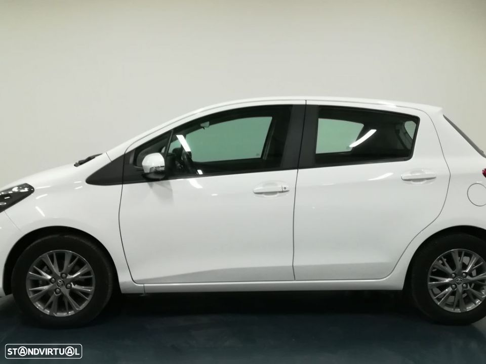 Toyota Yaris 1.4D 5P Comfort + Pack Style - 5