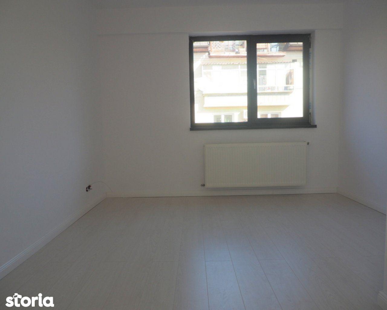 Apartament de vanzare, București (judet), Strada Gen. Av. Athanasie Enescu - Foto 5