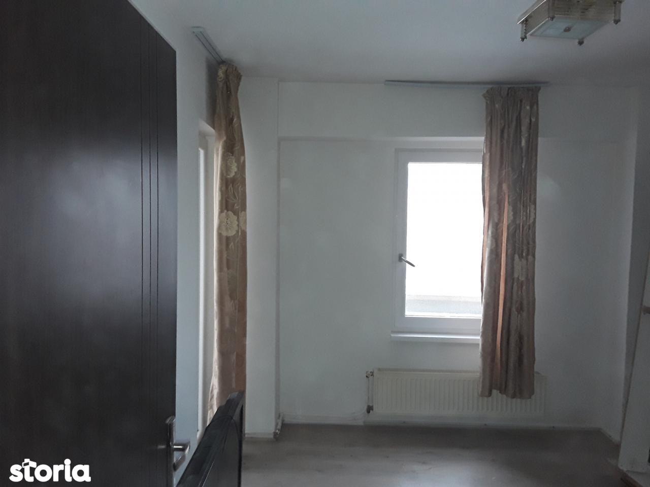 Apartament de vanzare, Dolj (judet), Centru - Foto 3
