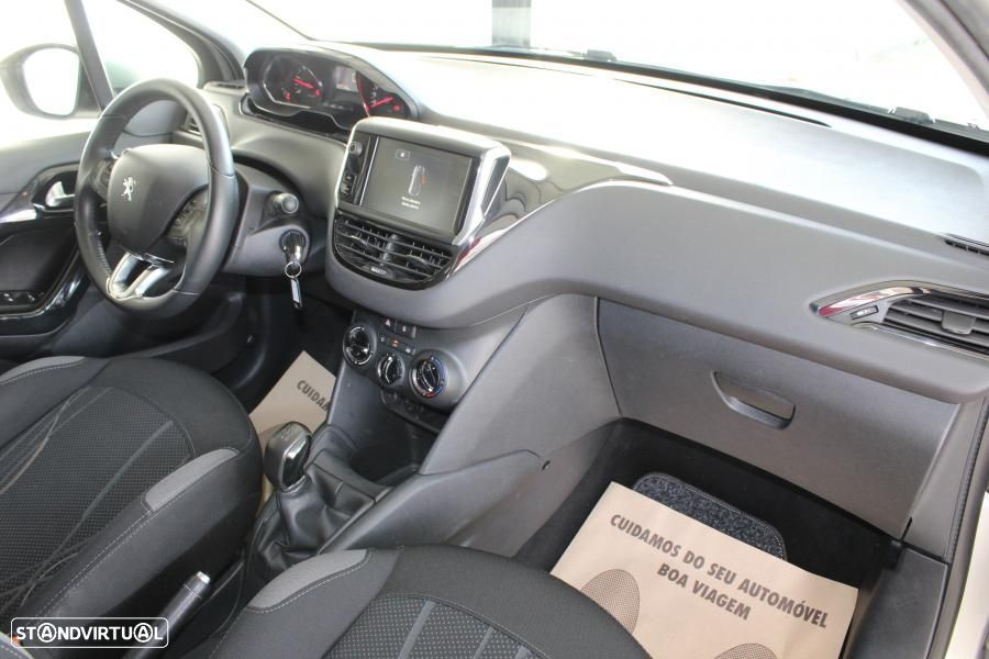 Peugeot 208 1.4 HDI Active - 26