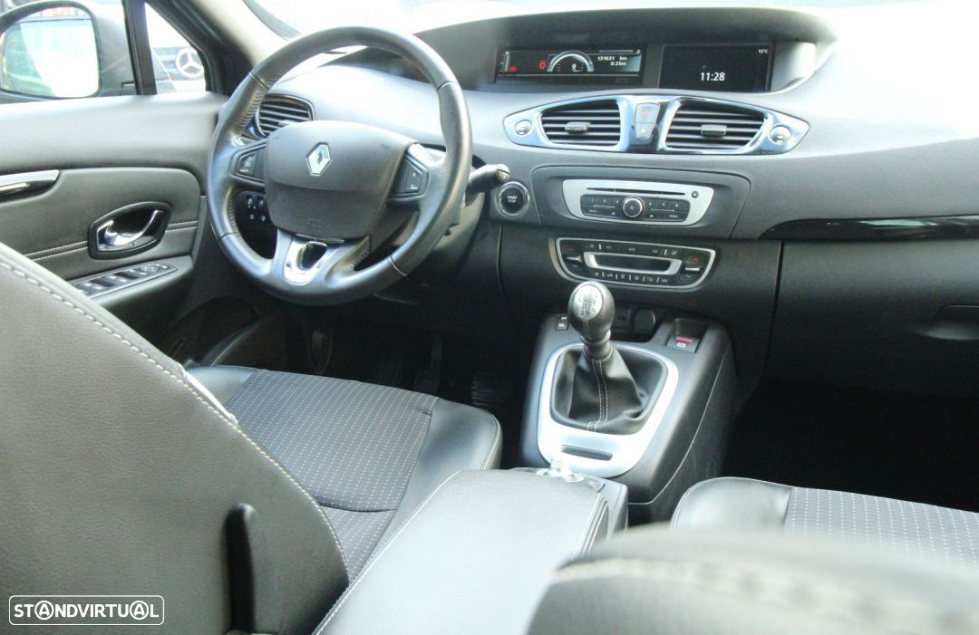 Renault Grand Scénic 1.5 dci - 10