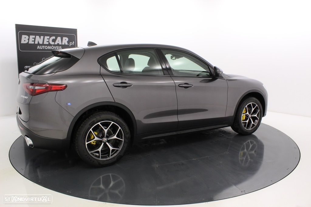 Alfa Romeo Stelvio 2.2 Turbo Q4 Super AT8 210cv Cx. Aut. GPS / Cam. Traseira - 8