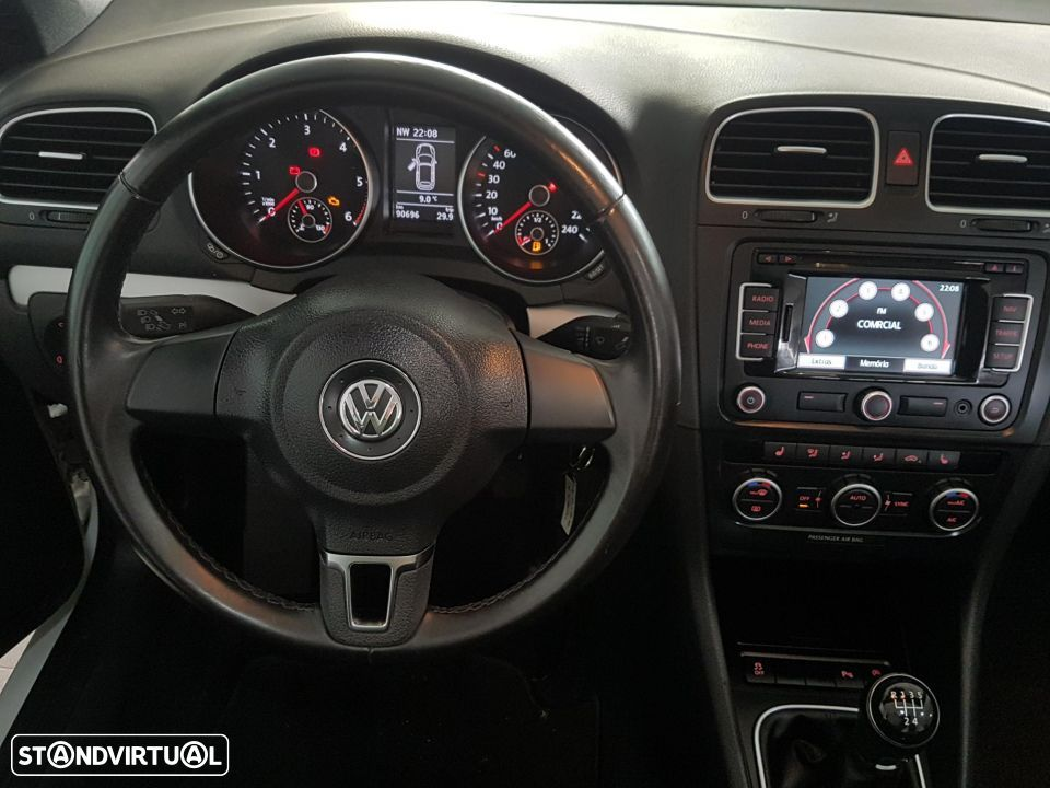 VW Golf Cabriolet 1.6 TDI Bluemotion - 22