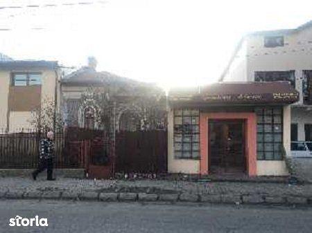 Casa de vanzare, Dâmbovița (judet), Strada Maior Brezișeanu Eugen - Foto 1