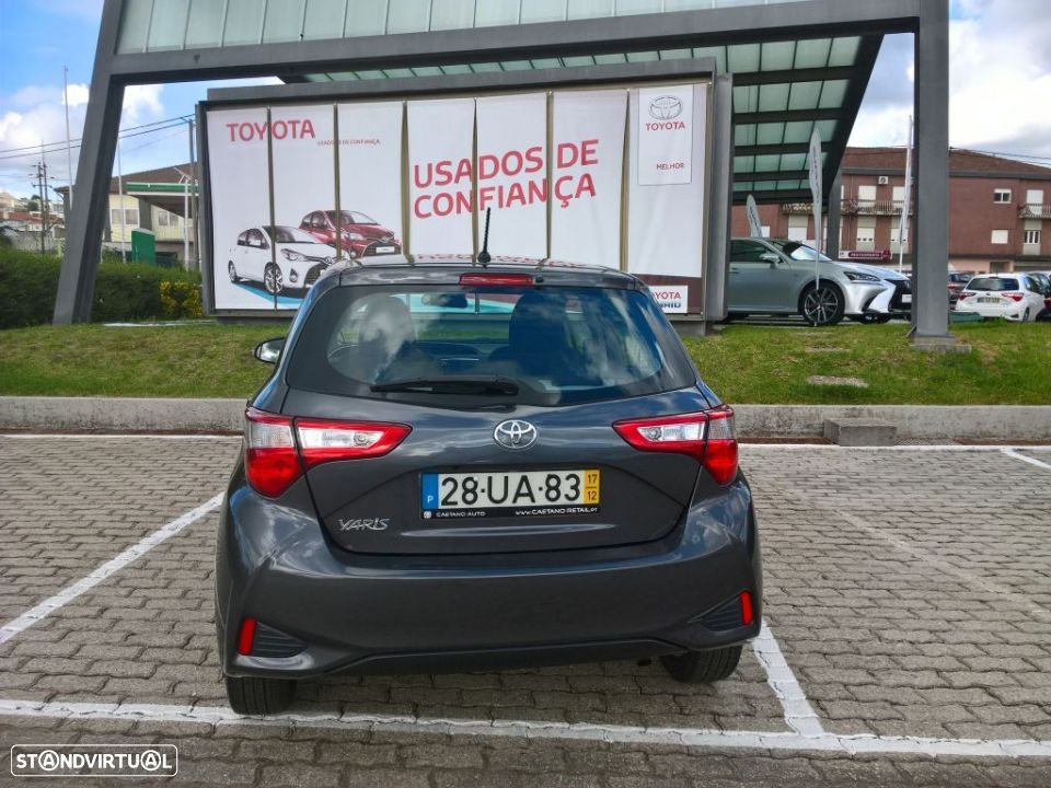Toyota Yaris 1.4D 5P Comfort + Pack Style - 7