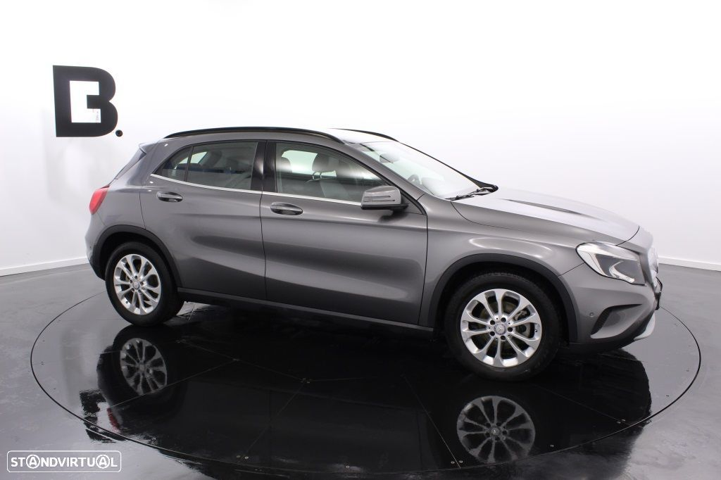 Mercedes-Benz GLA 180 Sport Utility Vehicle Style - 10