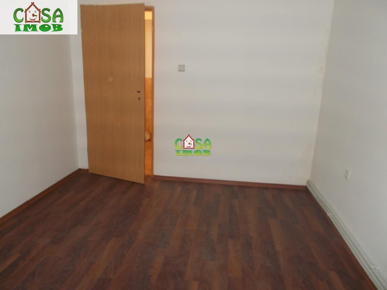 Apartament de vanzare, Dâmbovița (judet), Micro 6 - Foto 7
