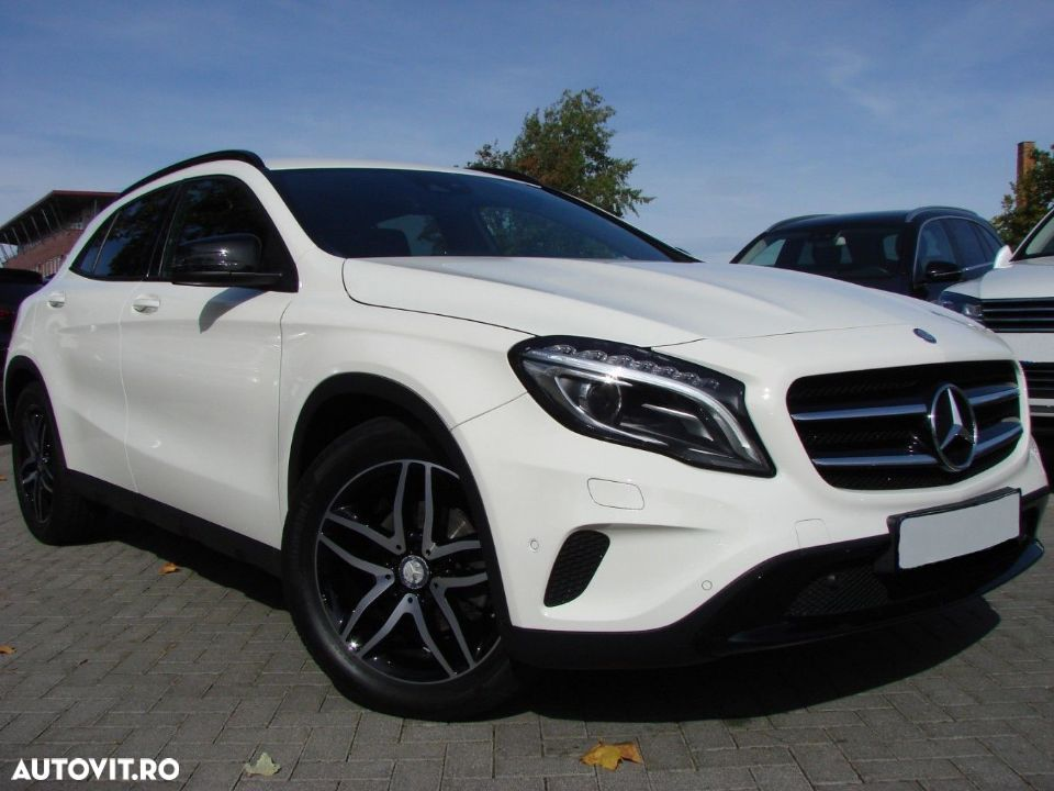 Mercedes-Benz GLA 200 - 19