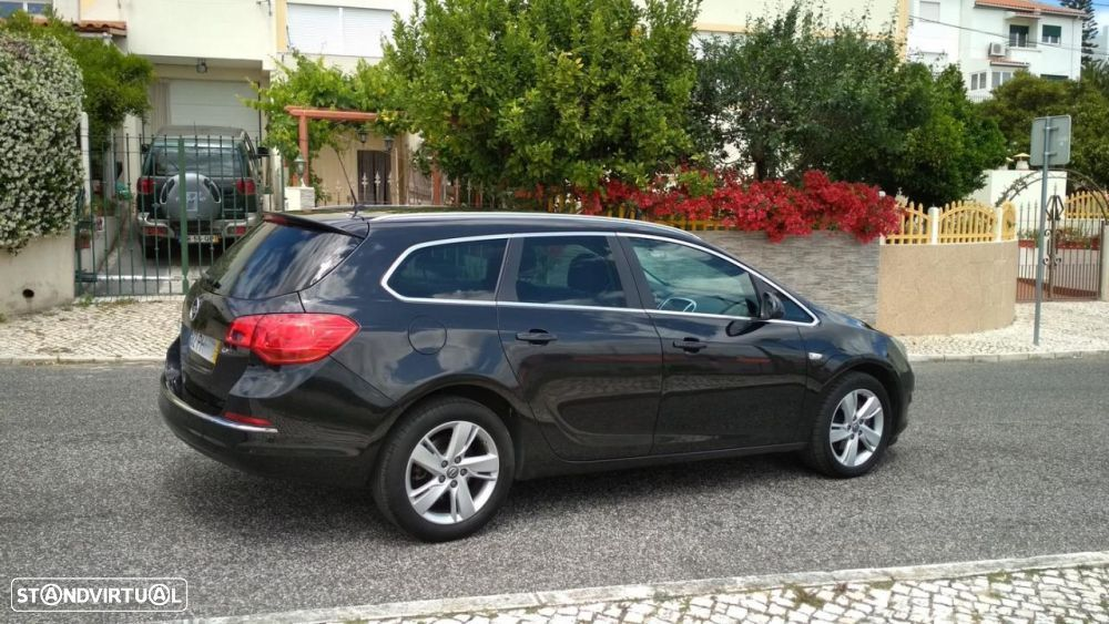 Opel Astra Sports Tourer 1.6 CDTi Executive S/S - 3