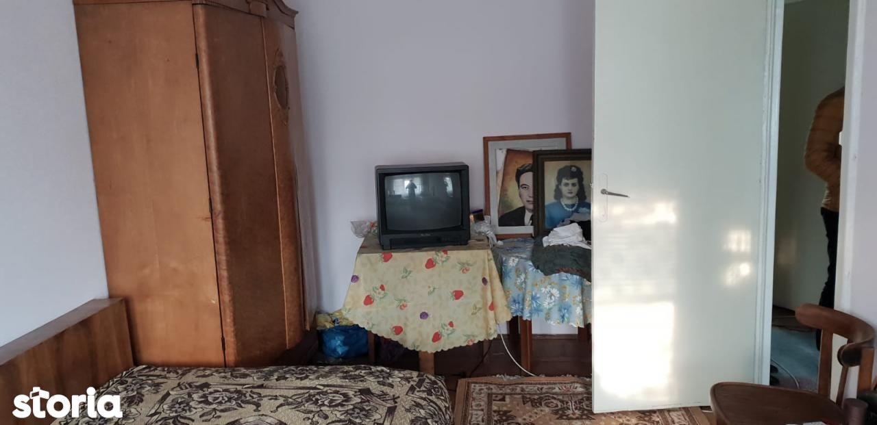 Apartament de vanzare, Bacău (judet), Centru - Foto 1